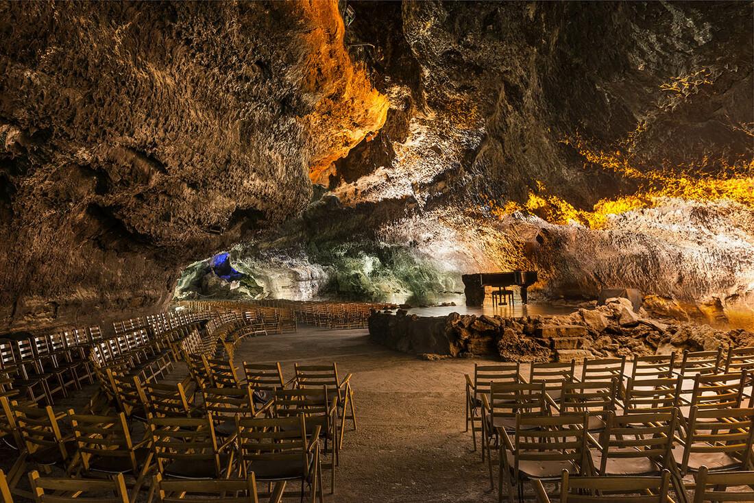 El auditorio de la Cueva de los Verdes