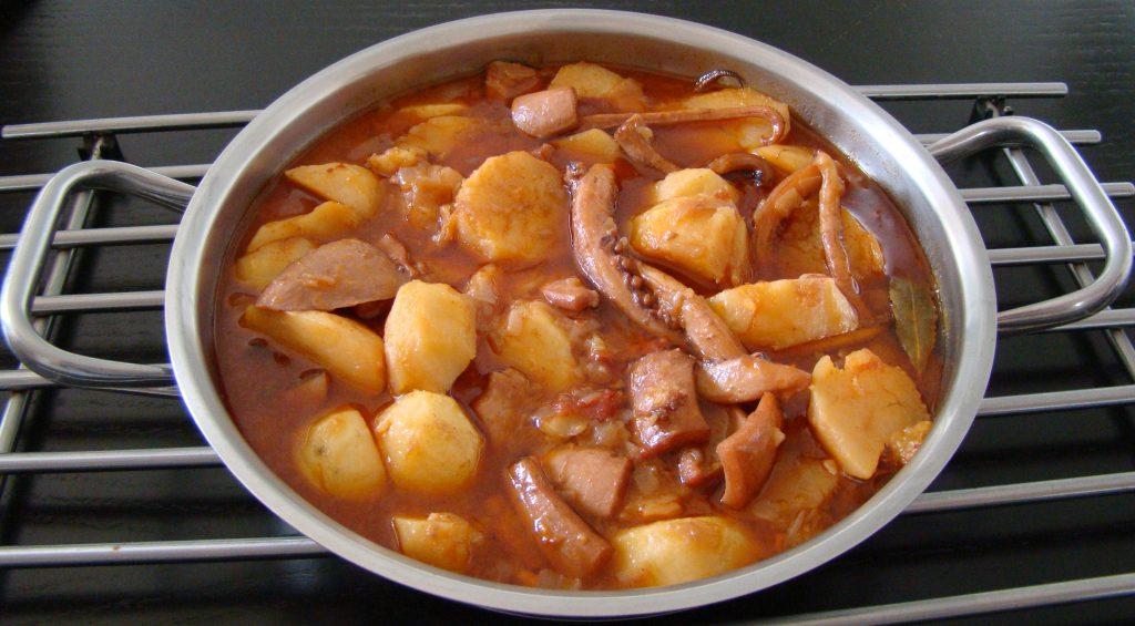Receta canaria de potas en salsa