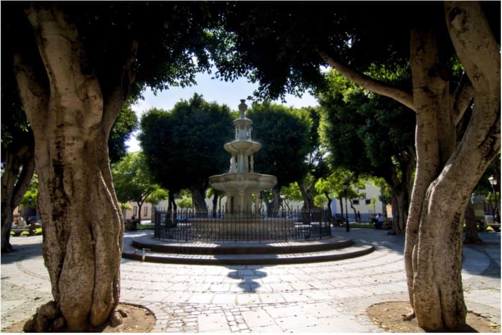 Fuente central de la Plaza del Adelantado en La Laguna