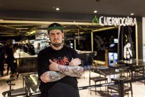 Safe Cruz en el restaurante Cuernocabra